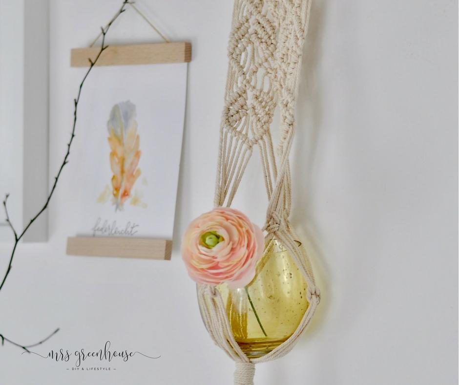 Eine Macramé-Blumenampel