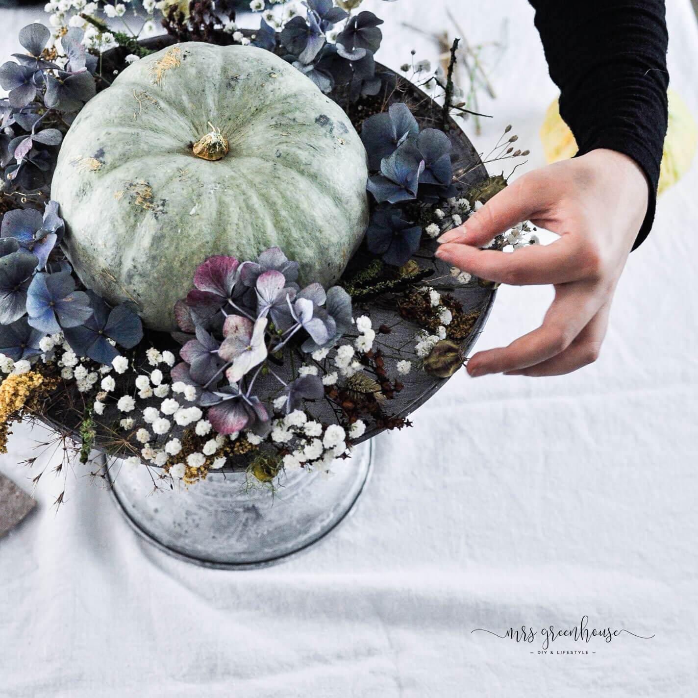 Blumenkranz aus Trockenblumen für Halloween