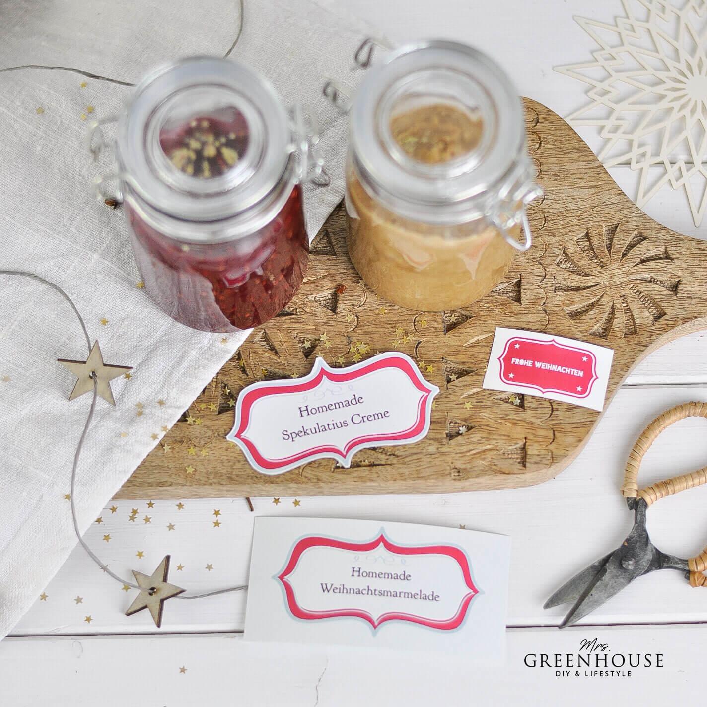 Marmeladegläser mit Etiketten