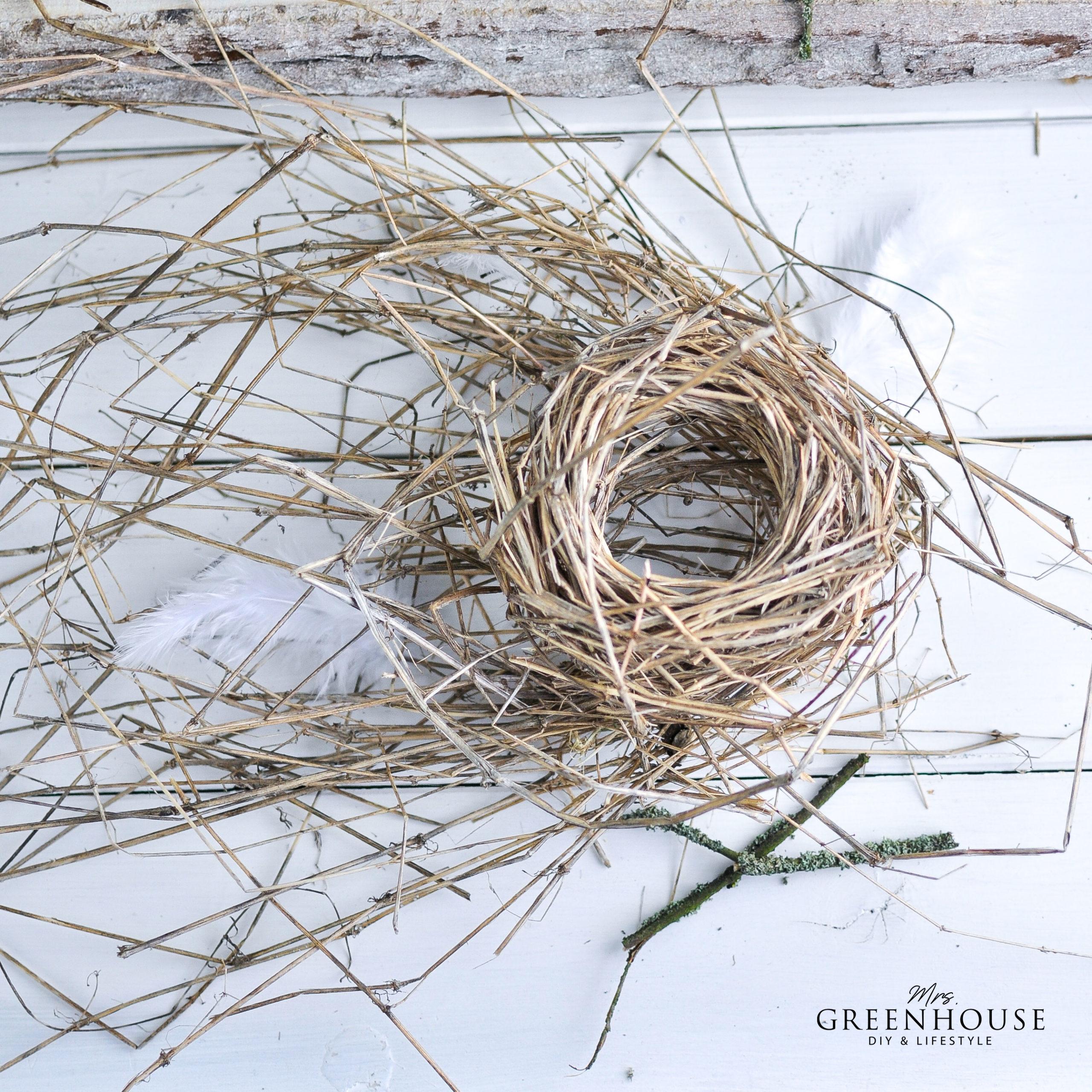 Gräser für Osternester wickeln