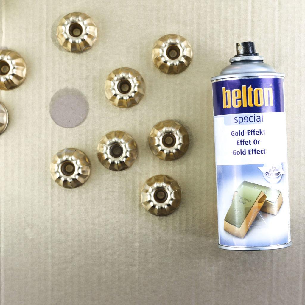 Beton Kerzenständer mit Goldlack besprühen
