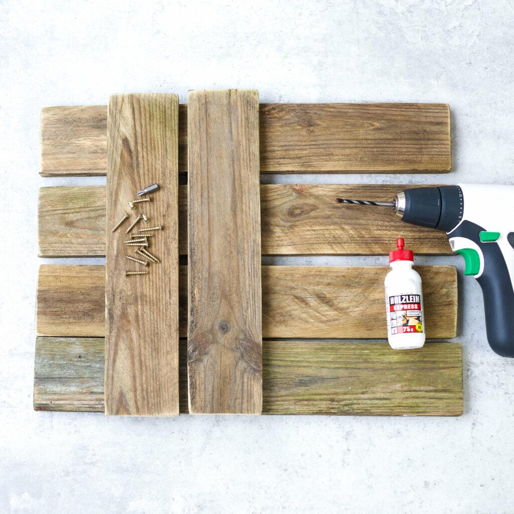 Holzleistern für Tassen Wandhalterung