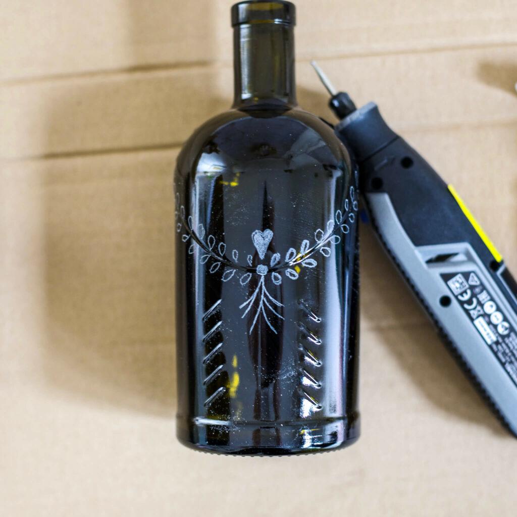 Flasche gravieren mit Dremel