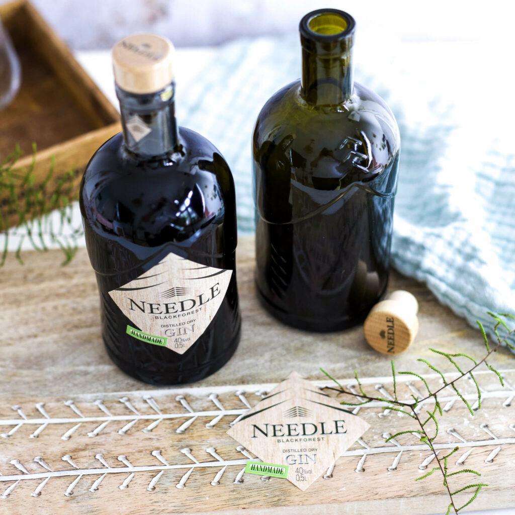 Etiketten von Flasche entfernen