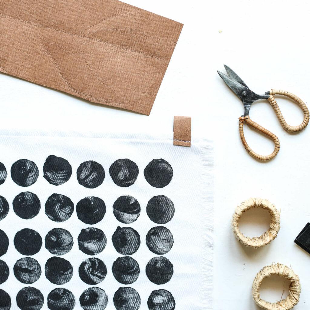 Stoffdruck mit selbst gemachten Stempeln in Skandi Look
