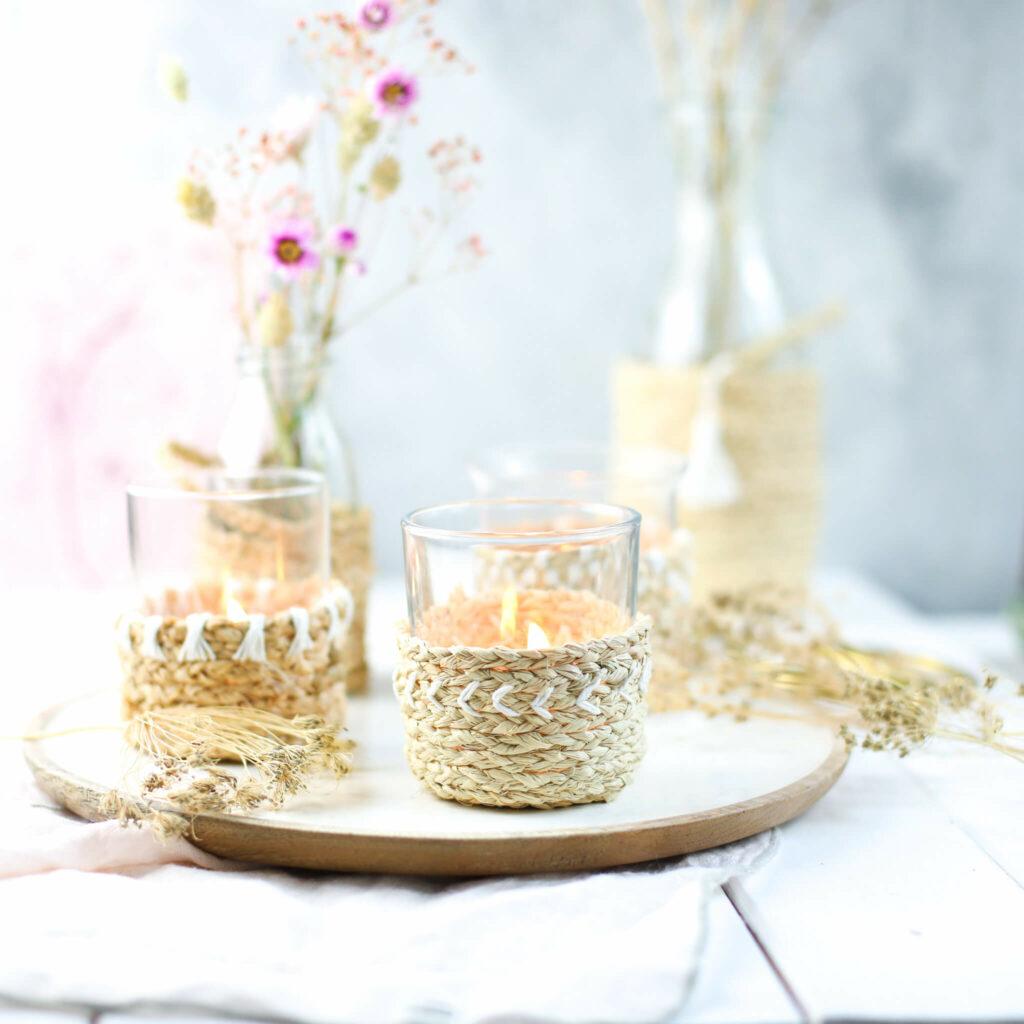 Windlicht und Vasen aus Naturbast