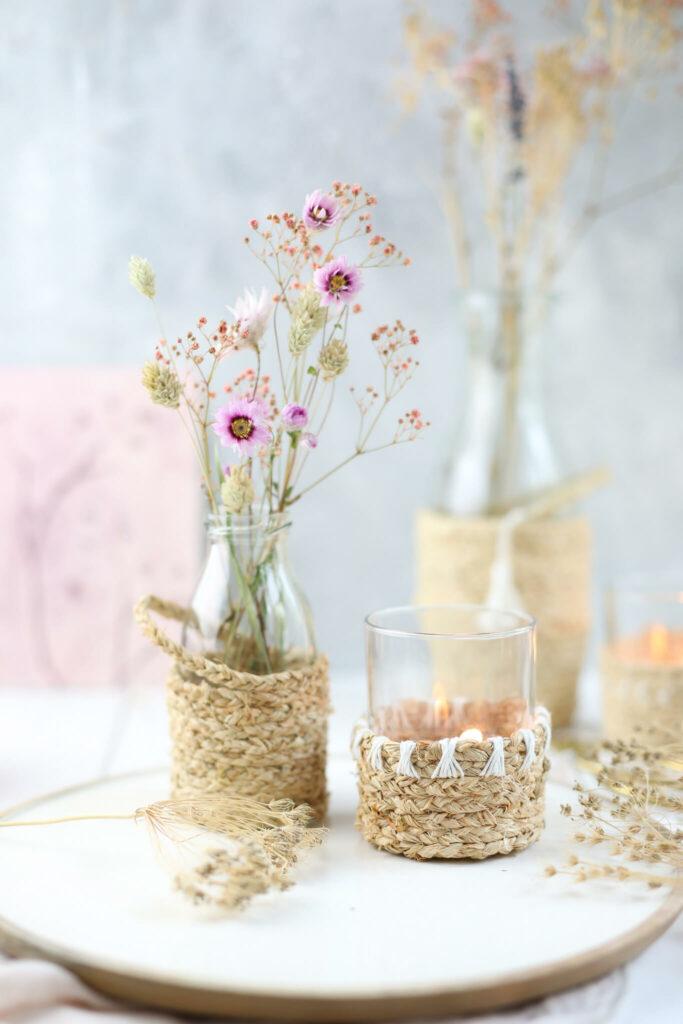 Boho Windlichter und Vasen aus Naturbast