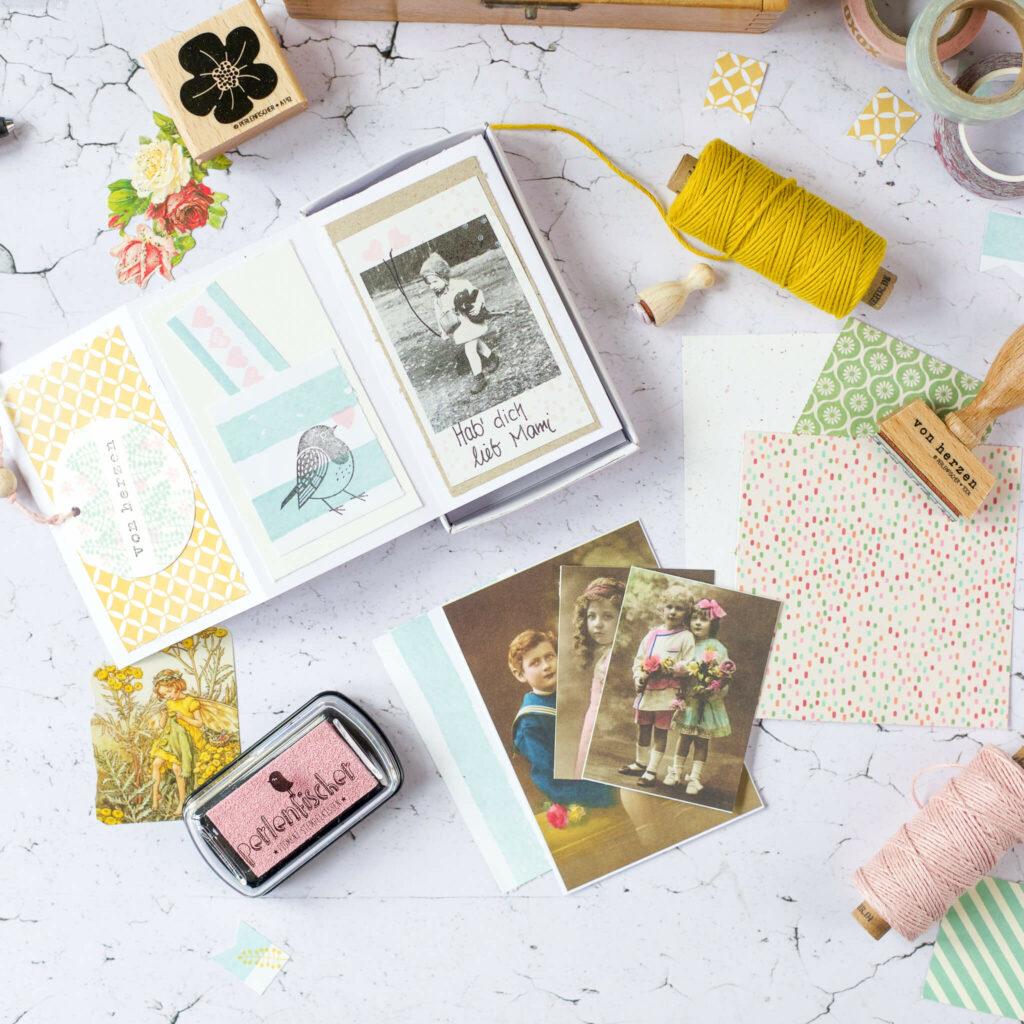 Fotos in Leporello kleben für Geschenkidee in der Streichholzschachtel