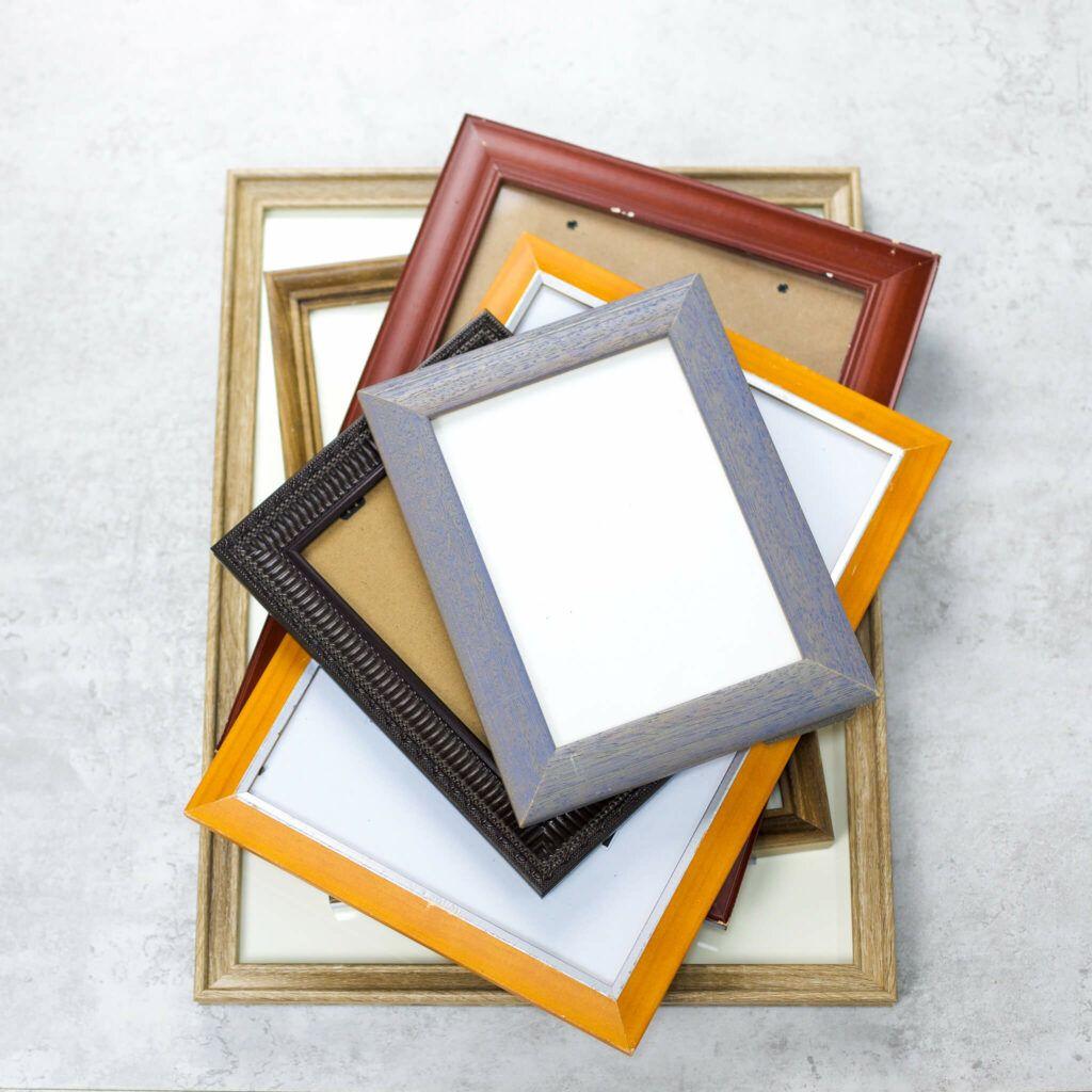 Alte Bilderrahmen mit neuer Farbe aufmöbeln und mit dem ColorReader die Farbe messen